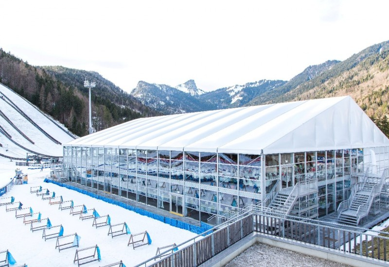 Außenansicht VIP Zelt